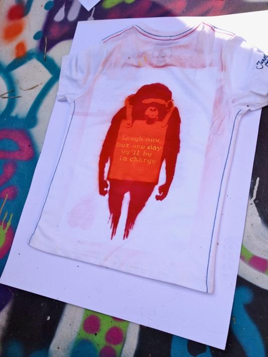 Canelitos Banksy-T-Shirt
